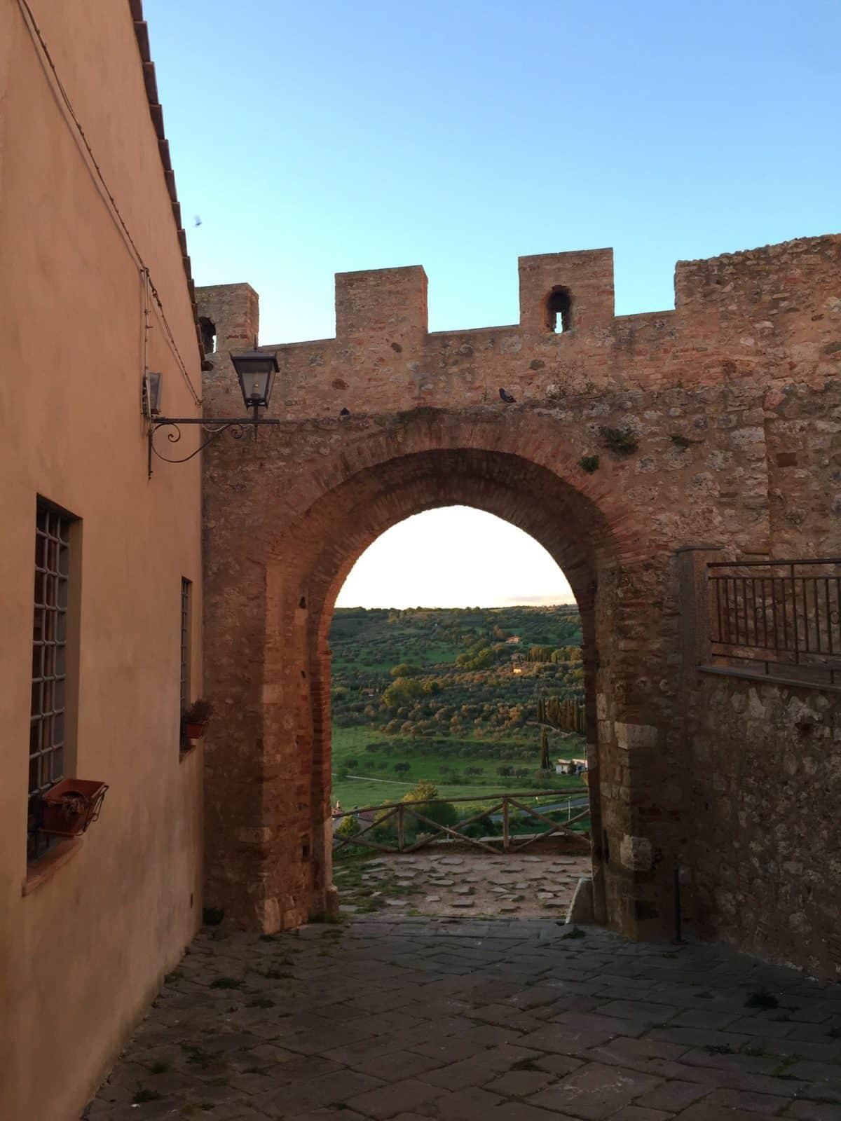 le mura di Magliano
