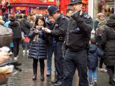 agenti di Scotland Yard