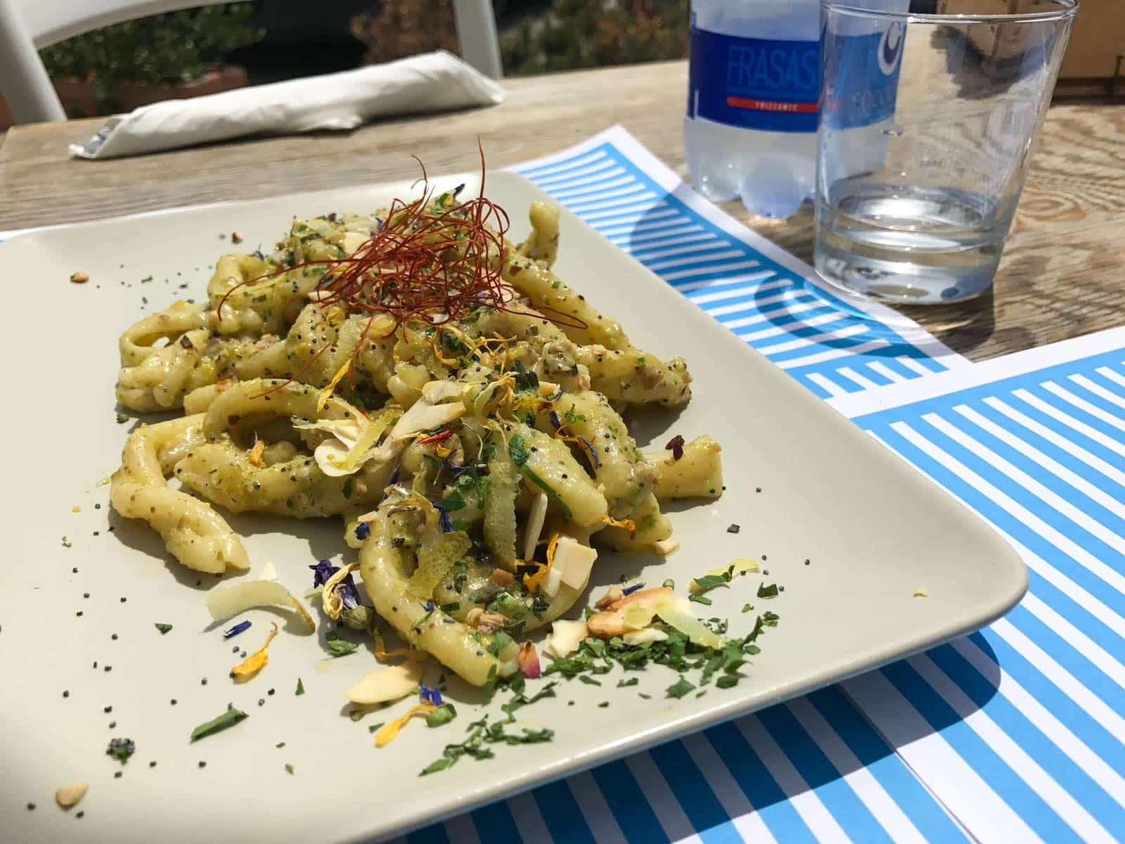 Pasta fresca pesce spada pistaccio e limone