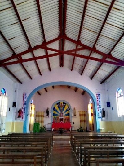 interno della chiesa di Espargos