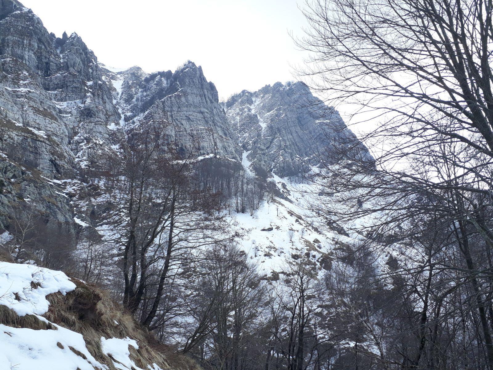 Monte Corchia, ultima salita invernale della stagione - dovevado.net