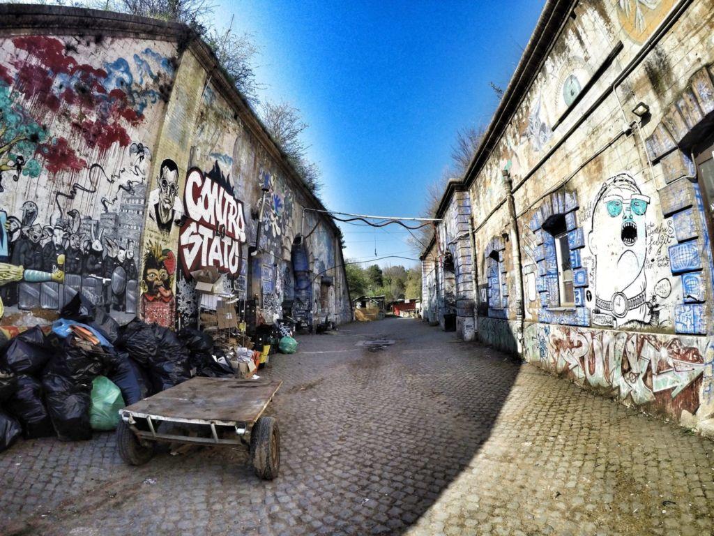 Forte Prenestino, street art e musica underground nel cuore di Roma