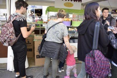 perugia - facendo acquisti a EuroChocolate