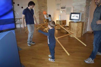 Post di Perugia: bimbi ricostruiscono il ponte di Leonardo da Vinci