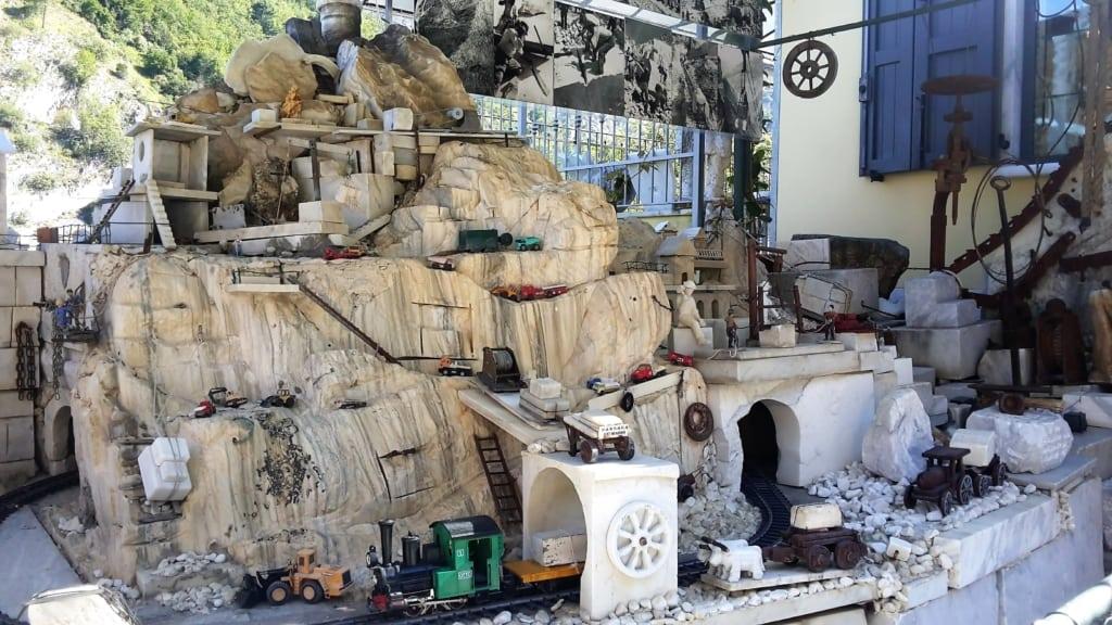 Cave di Marmo - modellino di una cava
