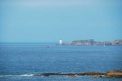 Faro sulla costa