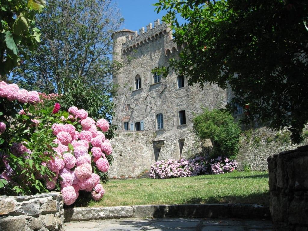 castello di fosdinovo massa