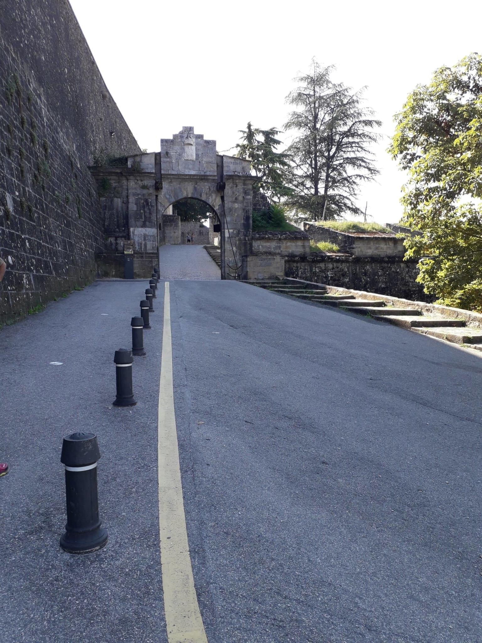 Mura e ingresso di Pamplona