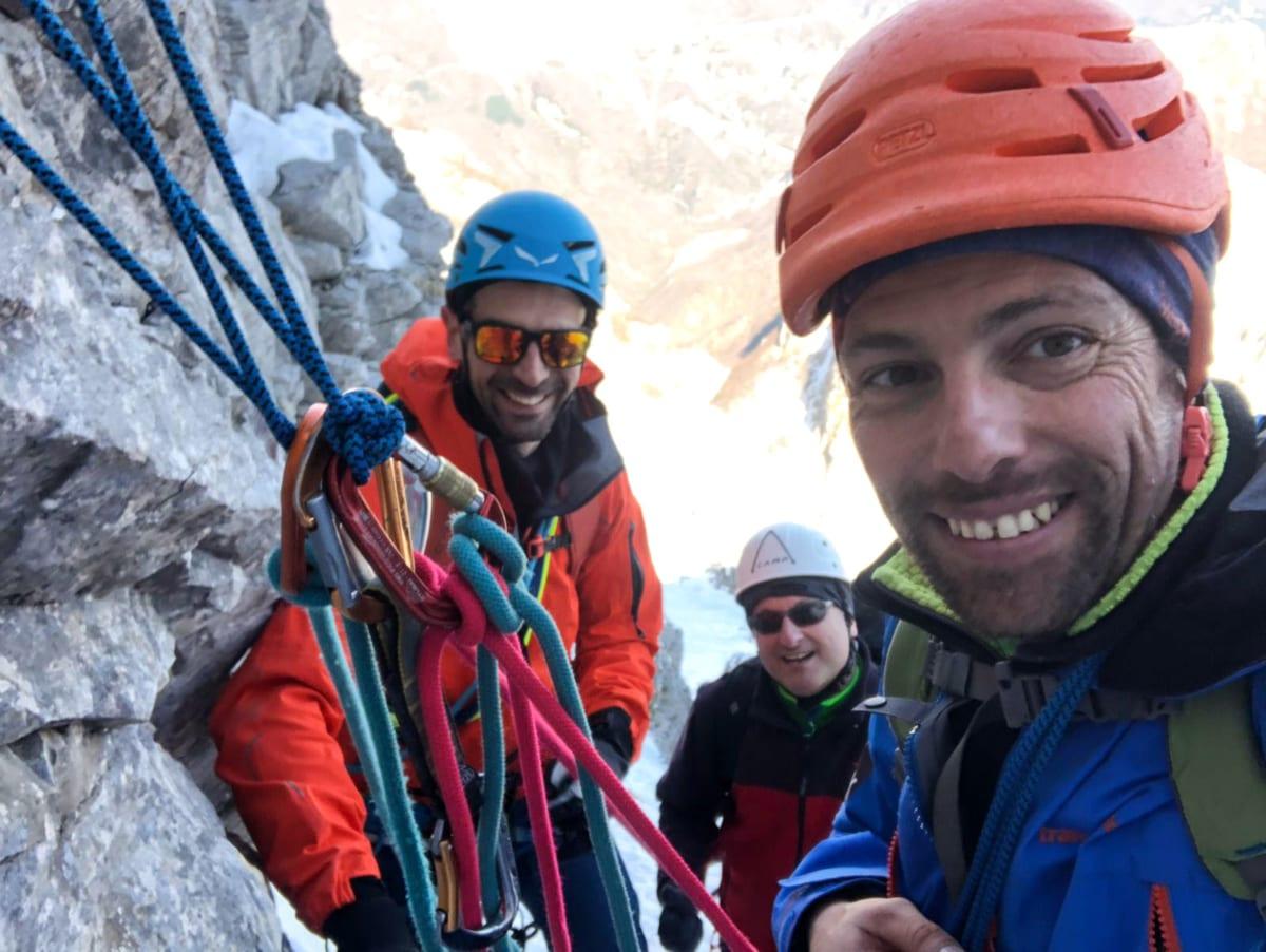 Alpinismo invernale - In sosta sul canale Amoretti Di Vestea
