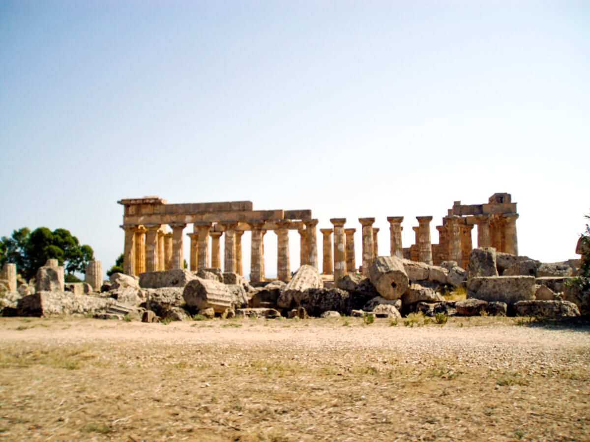 Selinunte temple ruins E