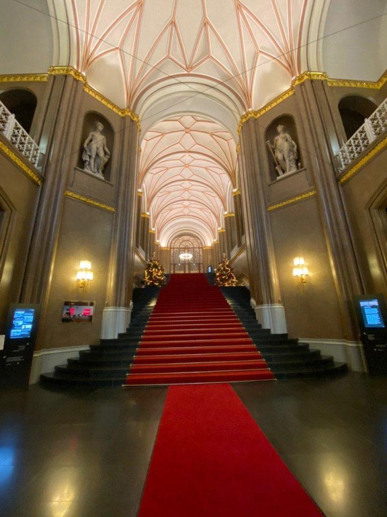 La scalinata della Rotes Rathaus