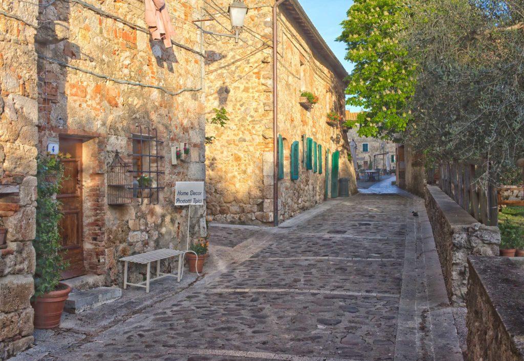 Castle village Monteriggioni